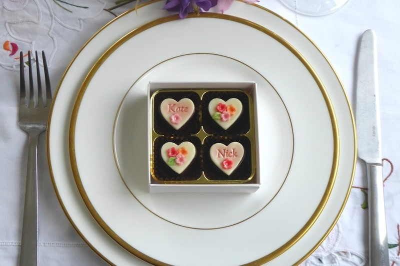 Dainty Daisies - box of four wedding favours
