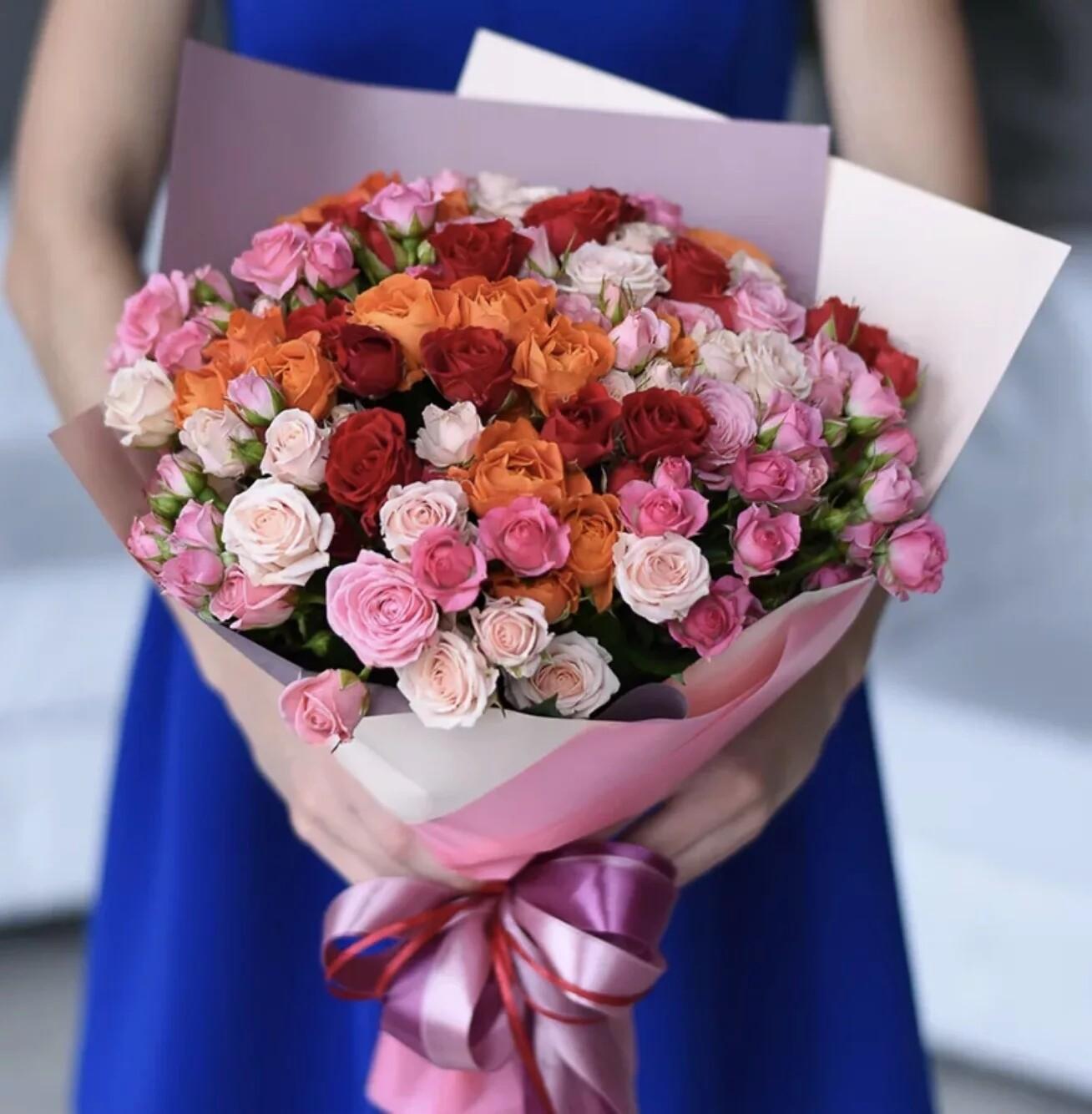 25 кустовых роз микс