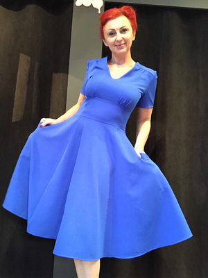 Curvy V Royal Blue