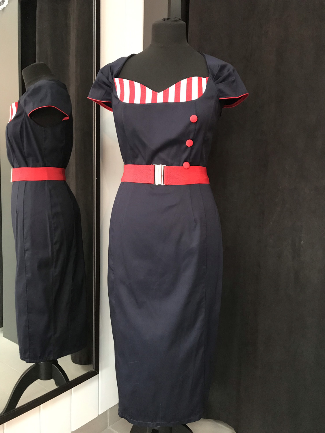 Sassy and tailored Donkerblauw/rood