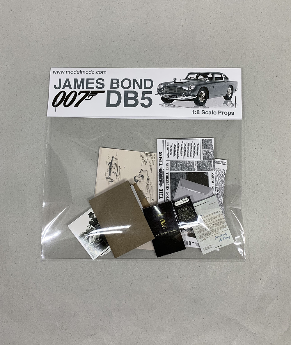 James Bond Miniature Paper Props 1:8
