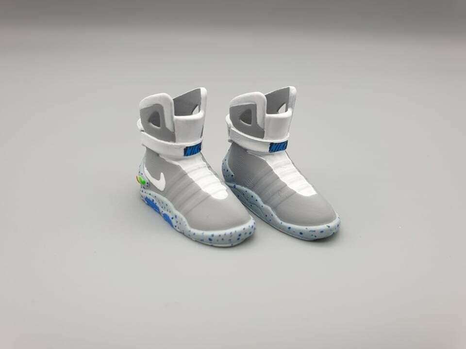 DeLorean 1:8 scale Nike Trainers