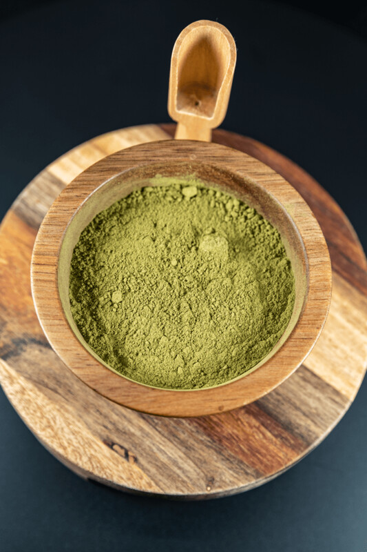 Super Green Kratom Powder Mitragyna Speciosa