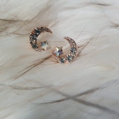 Earing: to the moon with you