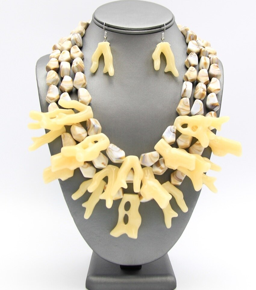 Acrylic Layered Coral Necklace Set