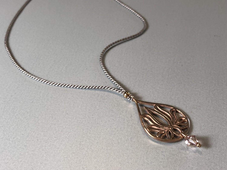 Seidenkette mit Lotustropfen Silber rose vergoldet
