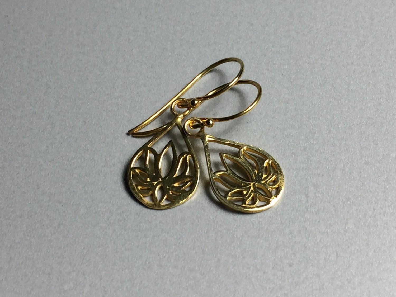 Ohrhänger Lotustropfen Silber vergoldet