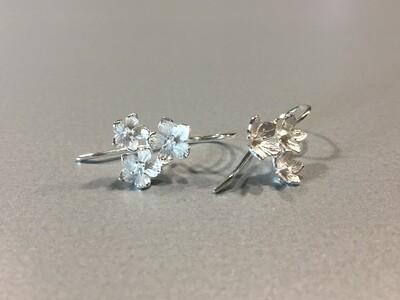 Ohrhänger Silber mit 3 zarten Blüte