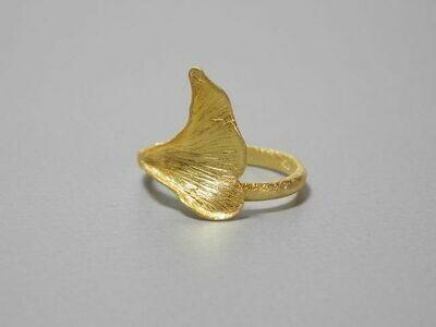 Offener Silberring vergoldet Gingkoblatt