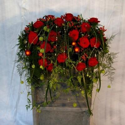 Kirchendeko Altargesteck mit rote Rosen