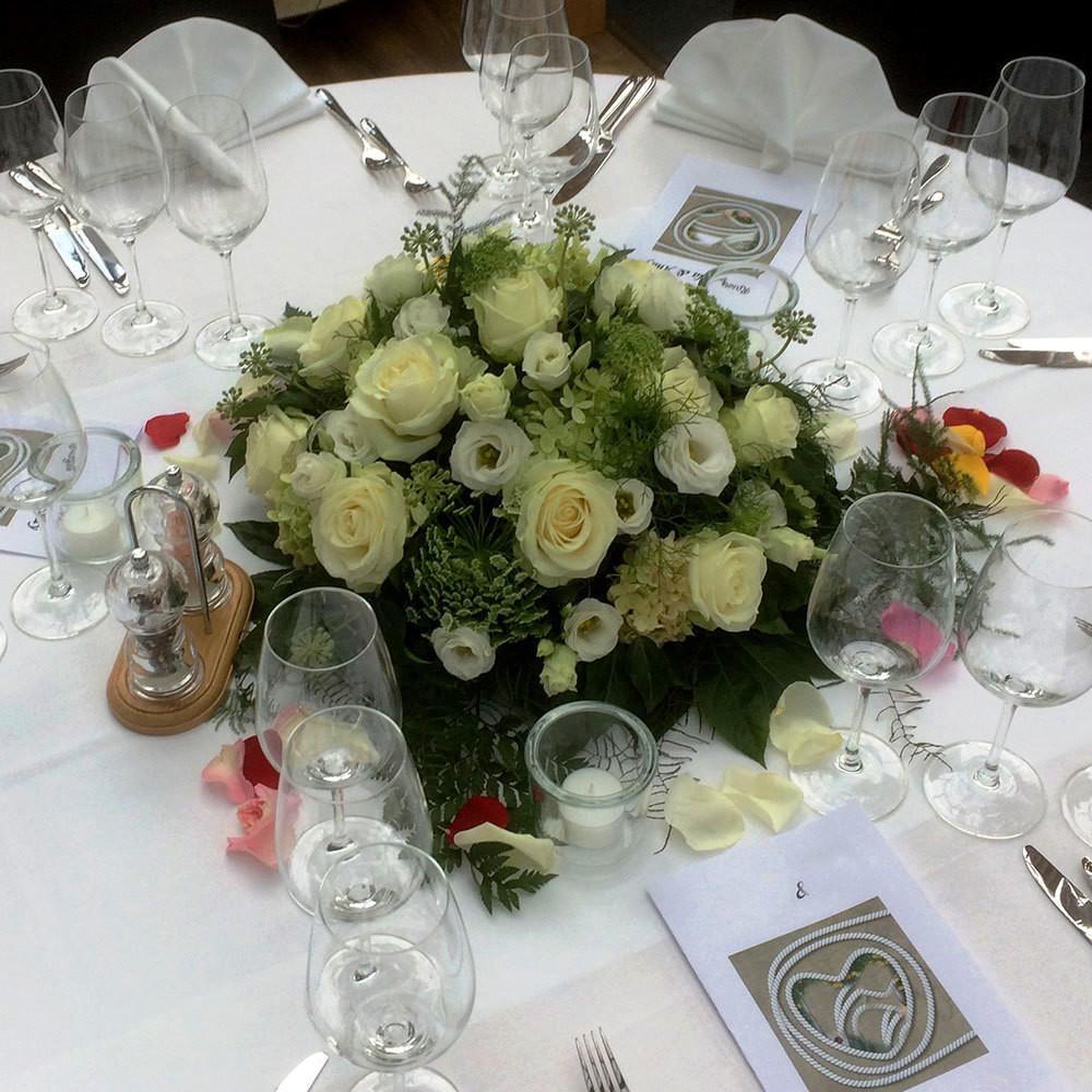 Tischdeko Rosen - weiss/grün