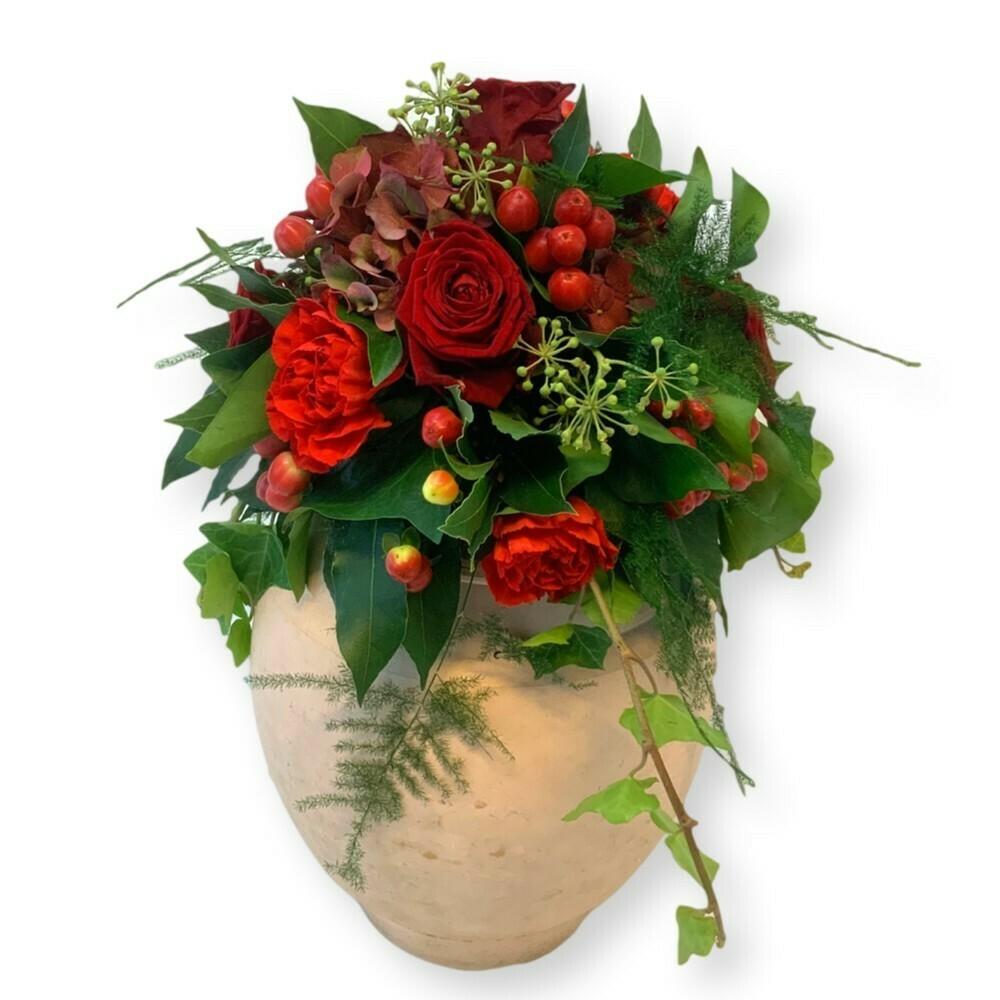 Urnenschmuck Winter mit Rosen - rot/grün