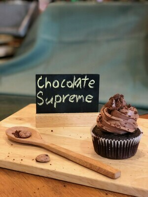 Chocolate Supreme Cupcakes (12 pieces)