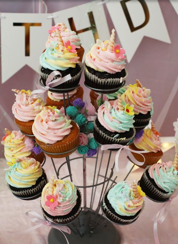Unicorn Cupcakes (12 pieces)
