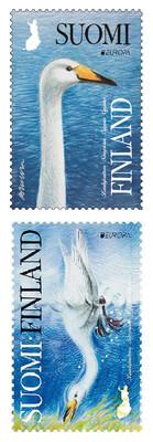 Финляндия. EUROPA. Национальные птицы. Лебедь-кликун. Сцепка из 2 самоклеящихся марок