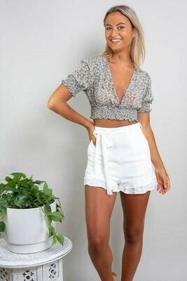Sweet Heart Frill Shorts - White