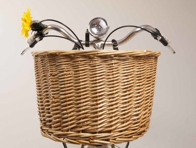 Wicker Basket including stand and straps