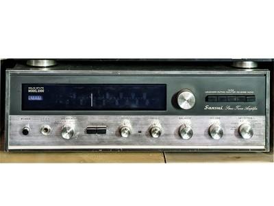 Sintoamplificatore Sansui Model 2000