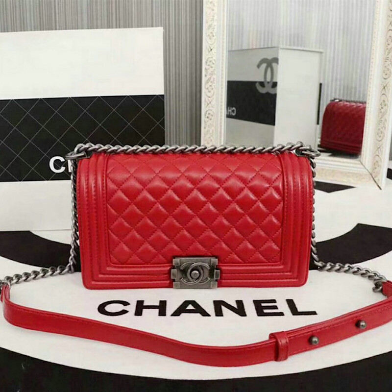 NEW RED LAMBSKIN LEATHER 25CM LUXURY BAG