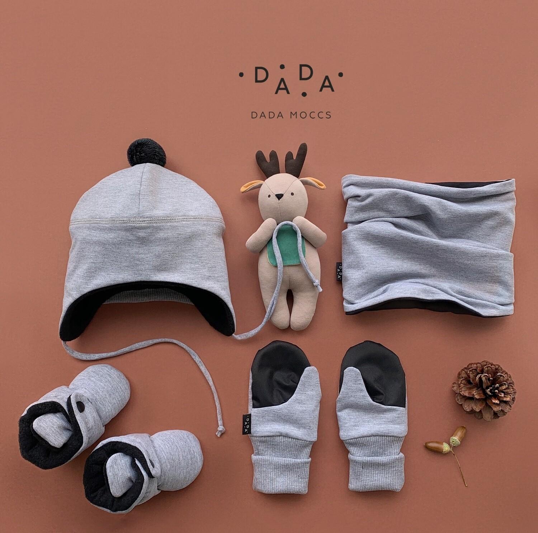 Комплект шапочка с помпоном, осенние бутис, снуд и легкие варежки