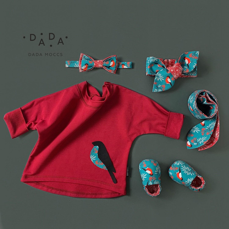 Комплект толстовка с аппликацией, повязка, галстук-бабочка и моксы