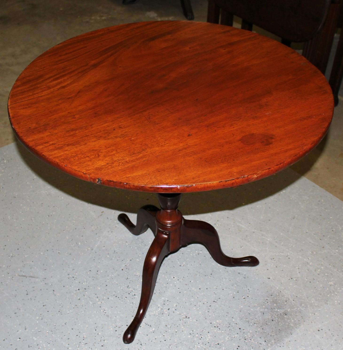 Antique Queen Anne Folding Tilt Top Mahogany Pedestal Flip Table