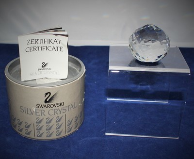 Swarovski Crystal Blue Swan Paperweight Ball 7663NR46 w/ Certificate & Box