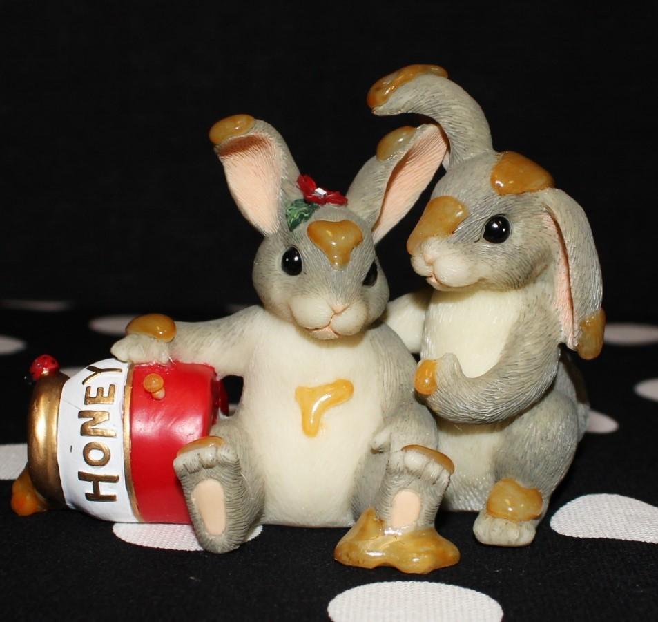 "Charming Tails Fitz & Floyd 84/112 ""Honey Bunnies"" Figurine w/Original Box"