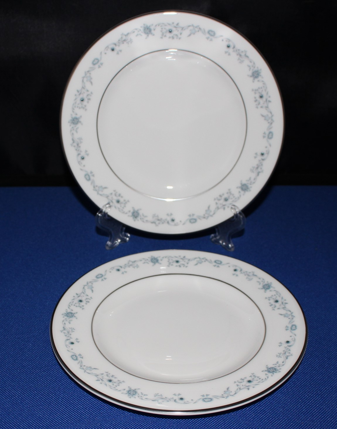 Set of 2 Royal Doulton Angelique H4997 Bread Plates Blue Floral Fine Bone China
