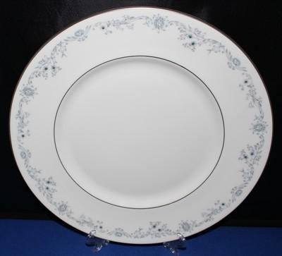 "Royal Doulton H4997 Angelique 10.5"" Dinner Plate, Blue Floral Fine Bone China"