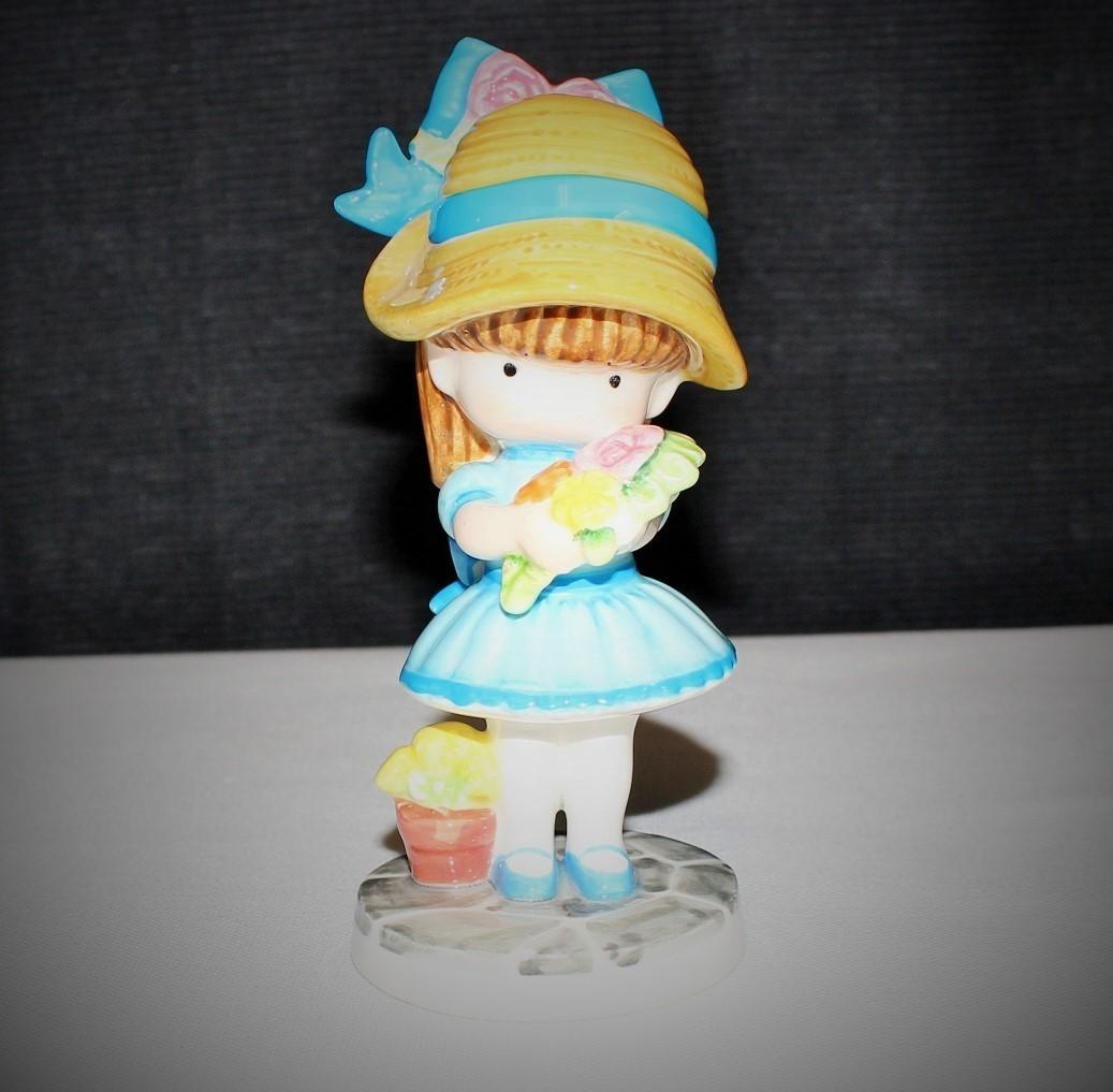 "Joan Walsh 1981 Anglund Ebeling Reuss Flower Girl 5.5"" Porcelain Figurine"