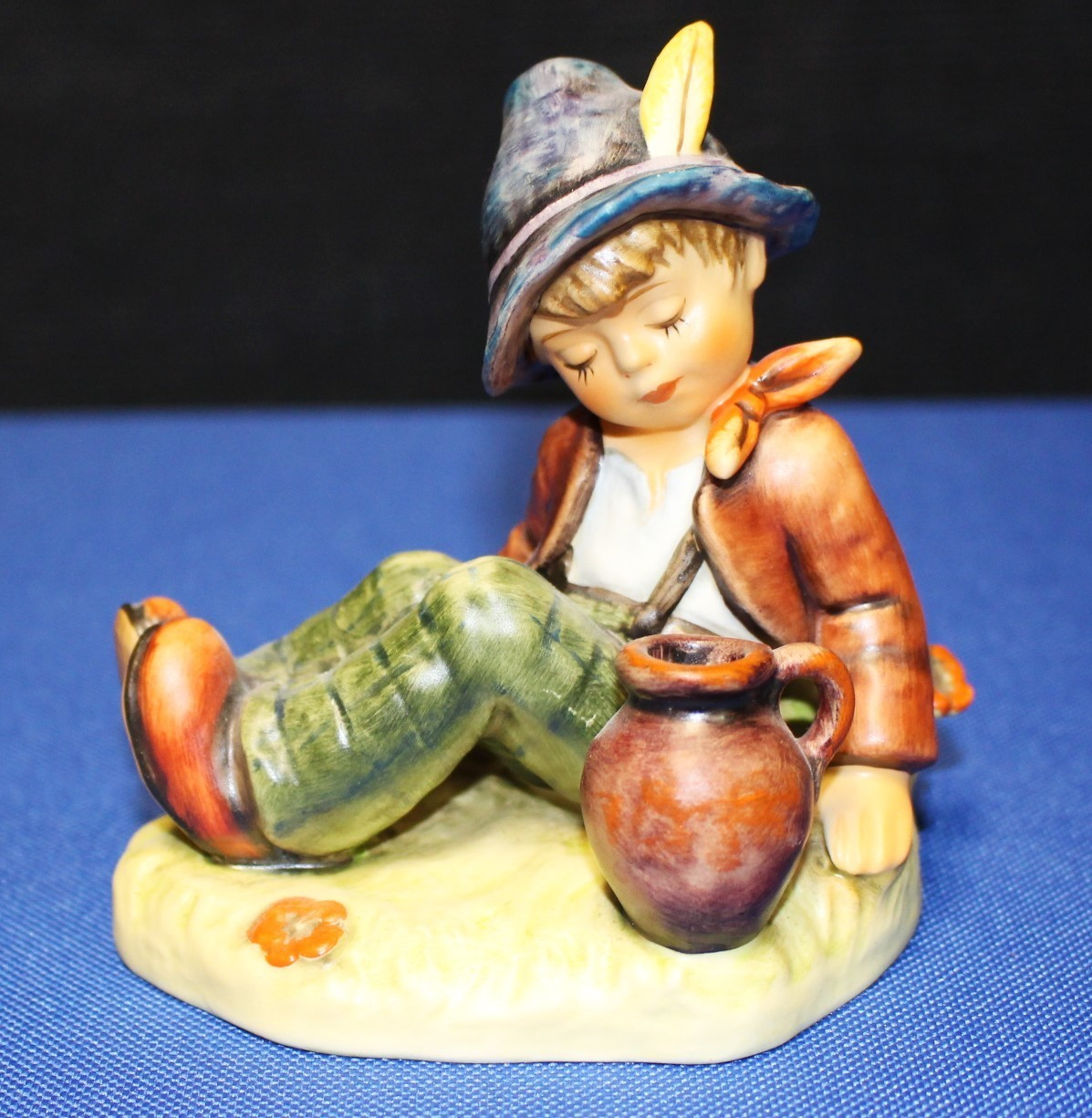 "Goebel Hummel Coffee Break 4"" Figurine #409 TMK-6 1976 Special Edition No. 8"