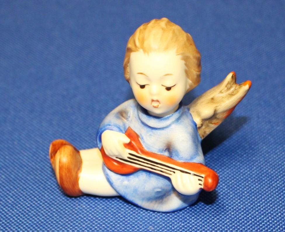 Goebel Hummel Angel Joyous News w/ Lute Figurine #238 A