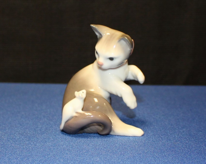 Lladro Cat & Mouse Playful Kitten Porcelain Figurine #5236