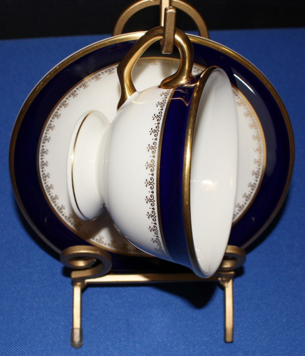 Pickard Washington Cobalt Blue & 24 KT Gold Footed Cup & Saucer Fine China Set
