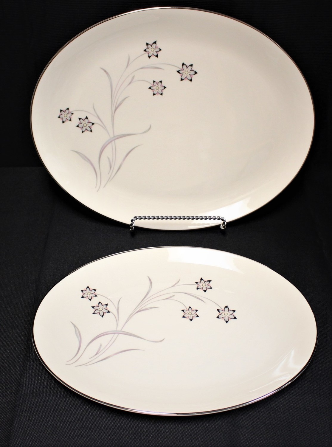 "Set of 2 Flintridge Starflower 14"" & 16"" Oval Serving Platters w/ Platinum Trim"