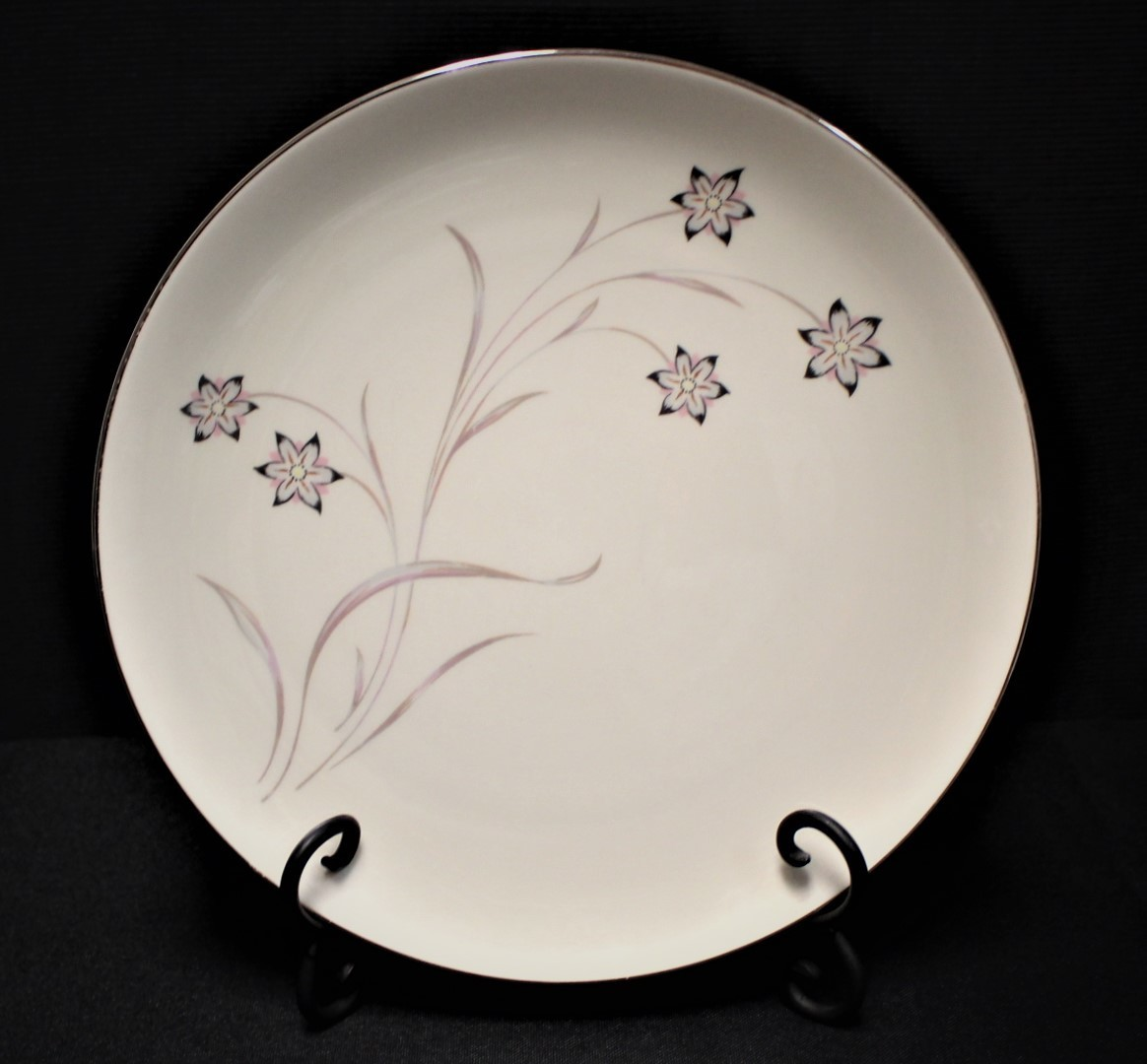 "Flintridge China STARFLOWER 10.75"" Dinner Plate, Platinum Coupe"