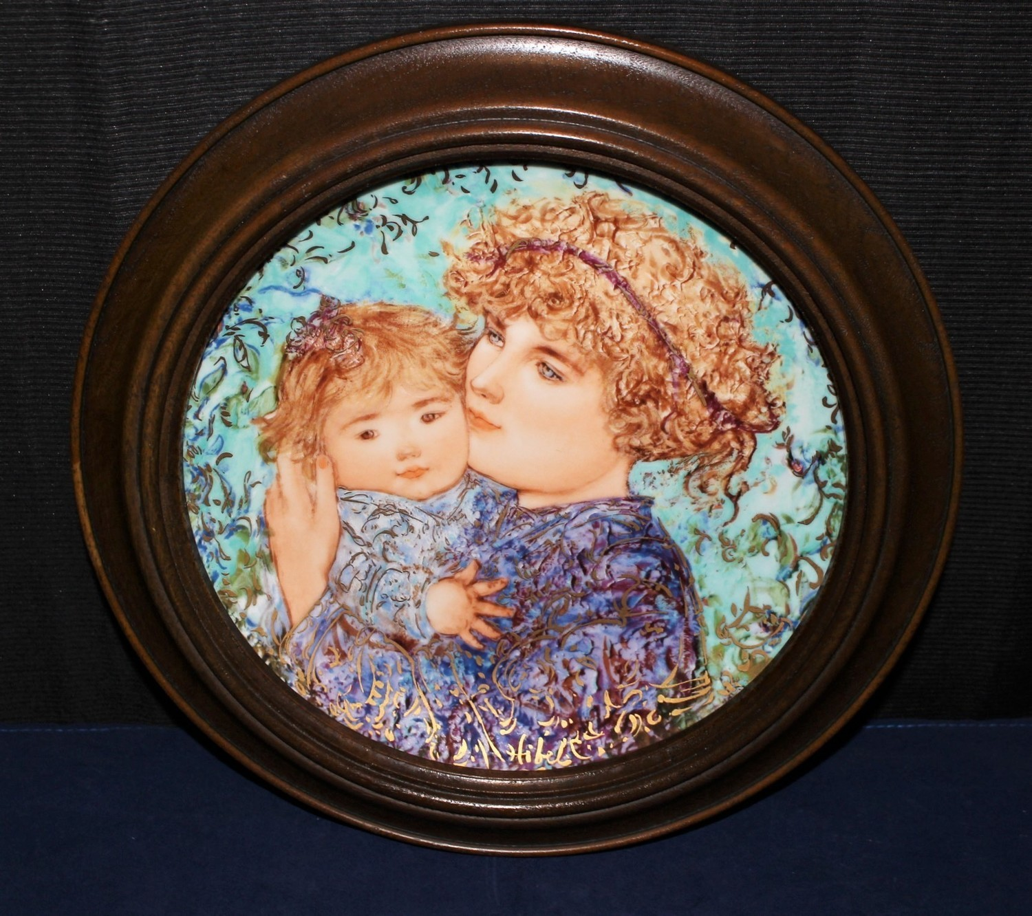 """Knowles 1989 Mother's Day """"Jessica & Kate"""" by Edna Hibel Framed Plate #6021A"""