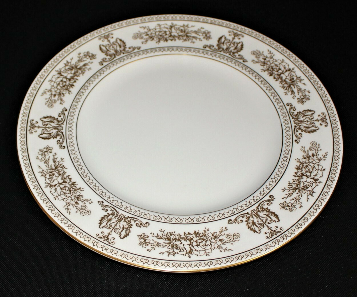 "Wedgwood Columbia 10 3/4"" Dinner Plate White w/ Gold Border Bone China, England"