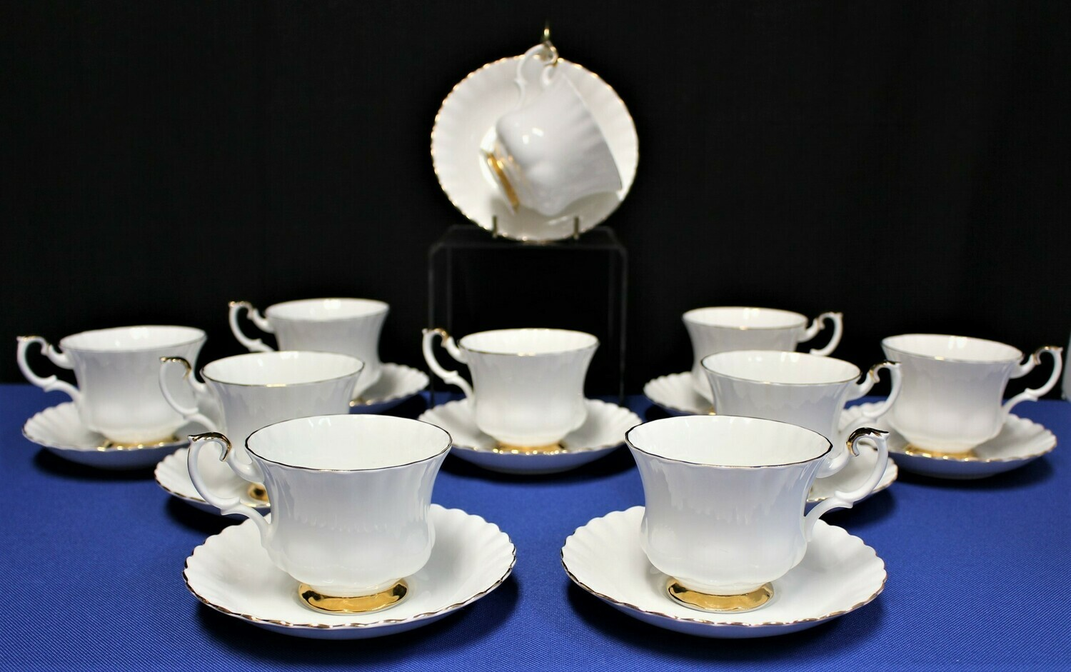 20-Piece Royal Albert Val D'or Bone China 22Kt Gold Trim Footed Cups & Saucers