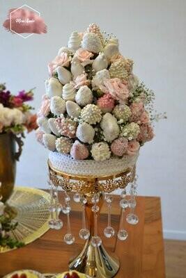 მარწყვის კოშკი ყვავილებით | Strawberry Tower with Flowers