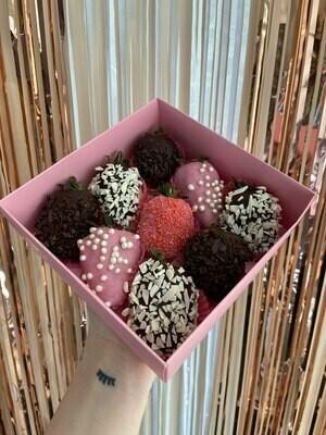 მარწყვის ნაკრები (9ც)   Strawberry pack (9pcs)
