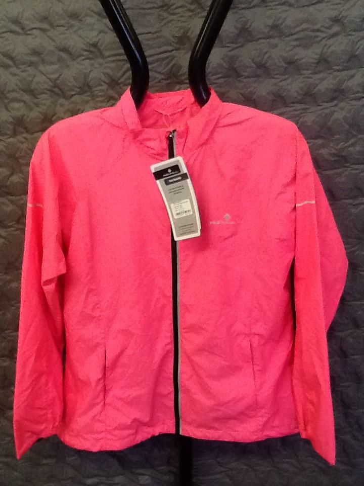 RONHILL WOMEN's pursuit jacket fluorescent pink 12
