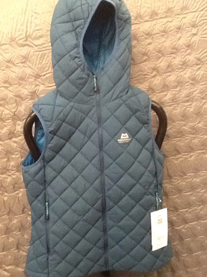 MOUNTAIN EQUIPMENT FUSE HOODED INSULATED VEST LEGION BLUE 12