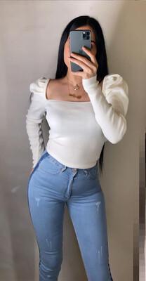 سيت بلوز ابيض خفيف + جينز