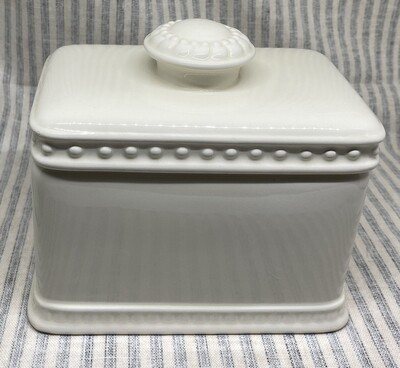 Creative Memories Ivory Ceramic Box
