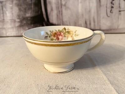 Homer Laughlin Eggshell Georgian English Regency Footed Cup