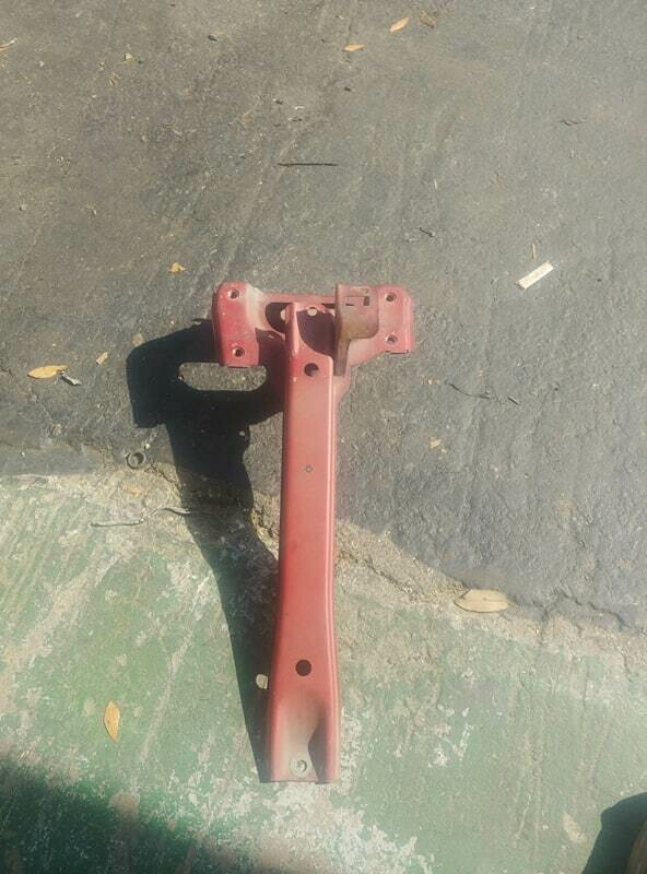 r32 Gtr Hood latch support (used)