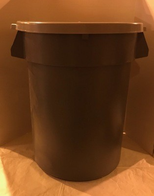 GARBAGE CAN, 32 GAL W/LID GRAY PLASTIC (FITS DOLLY 0305155)