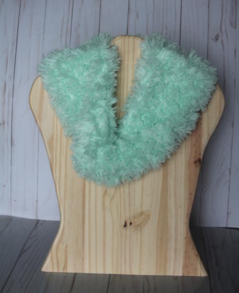 Mint fuzzy cowl